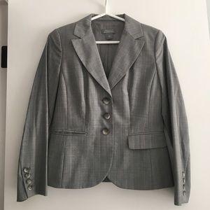 Ann Taylor Gray Pinstripe Suit-Blazer 6P Pants 8P